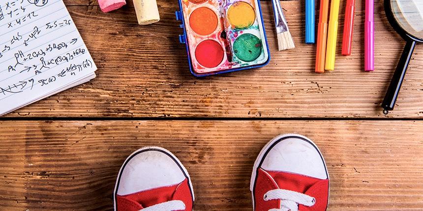 É possível comprar todo o material escolar necessário para os filhos sem comprometer as finanças da família. Basta seguir algumas estratégias simples, como fazer uma lista e aproveitar os descontos.